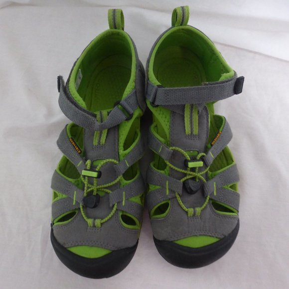 KEEN boys sandals, size 6, grey and green GUC